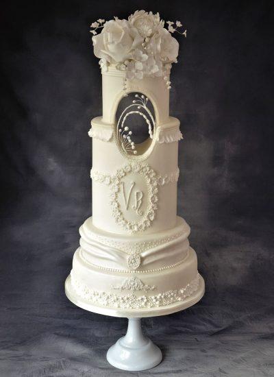 white-on-white-opulance-cake